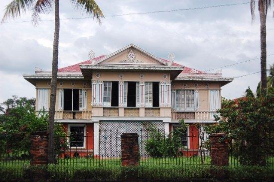 Sanson y Montinola Antillan Ancestral House