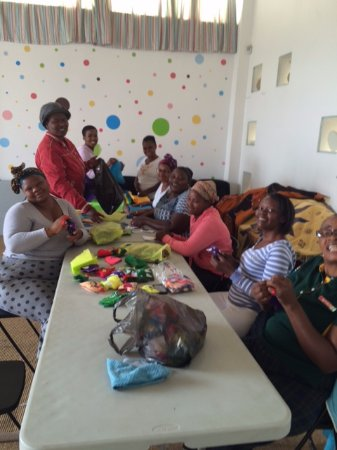 Uthando Tours: The ladies working
