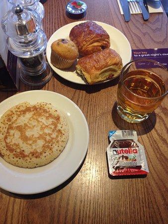 Premier Inn London Euston Hotel: Colazione dolce, cibo ottimo!