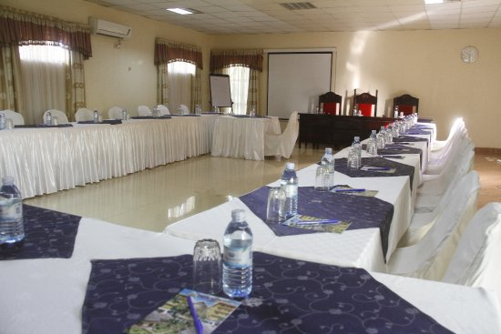 Ridar Hotel: conference hall