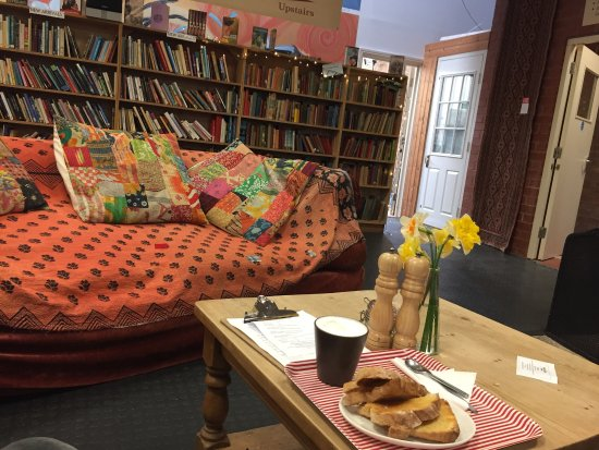 Hallatrow, UK: Coffee shop with a bit of a difference