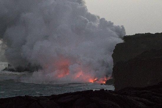 Native Hawaiian Lava : Glow at sunset