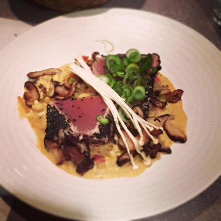 Montreuil-Bellay, Francia: Un thon rouge avec une cuisson parfaite...