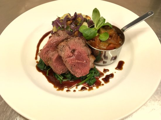 Cavendish Arms Restaurant: Lamb Rump, Lyonnaise Potatoes, Ratatouille, Spinach & Red Wine Jus