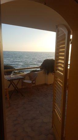 Punta Braccetto, Italy: il mare visto dalla terrazza del B&B
