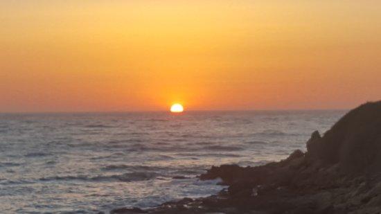 Punta Braccetto, Italy: il tramonto dal B&B