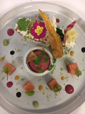 Le Cancalais : Eclair aux légumes croquants,saumon mariné,mousse de chèvre