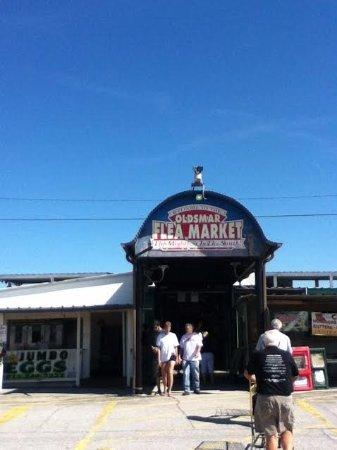 Entrance at south end of Oldsmar Flea Market.