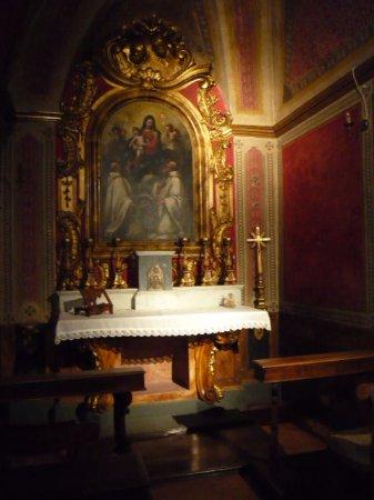 Villa Mausolea: Una delle due cappelle presenti all'interno della Mausolea di Partina