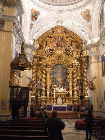 Iglesia de la Caridad: Main altar of the church.