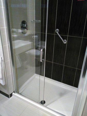 Blanchardstown, Ireland: Shower