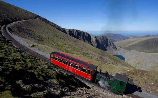 Llanberis, UK: Steam loco 'Enid' takes the 'Mountain Goat' to Snowdon summit.
