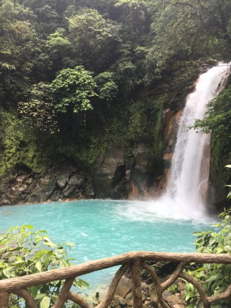 Tenorio Volcano National Park, Costa Rica : blue water