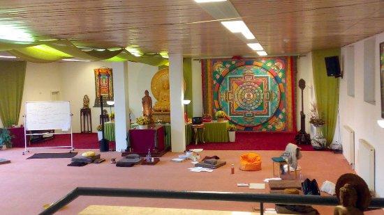 Wald-Michelbach, Germany: Die große Buddhahalle. Zeit zur Meditation.
