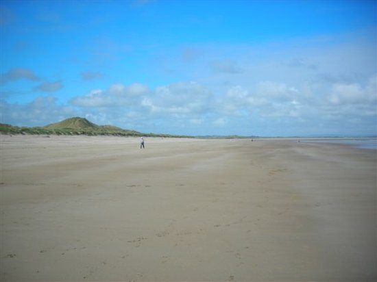 Enniscrone, Ireland: getlstd_property_photo