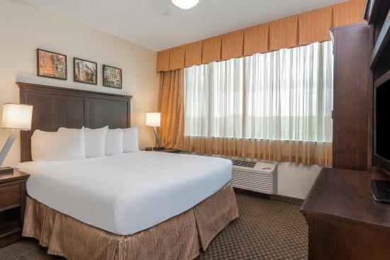 Ihg Army Hotel On Ft Lee Suite Bedroom