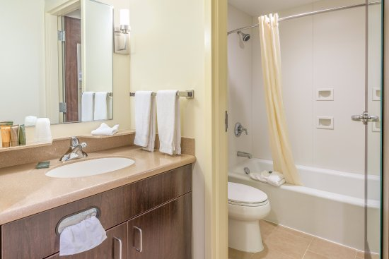 Fort Lee, VA: Guest bathroom