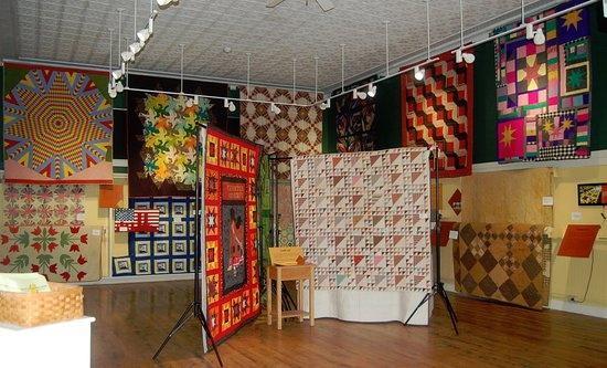 "Canton, NY: 2016 Exhibit, ""Warmth, Remembrance, and Art: 200 Years of Quils and Comforters in Northern New Y"