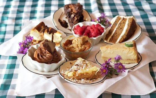 Stevensville, MI : Dessert tray