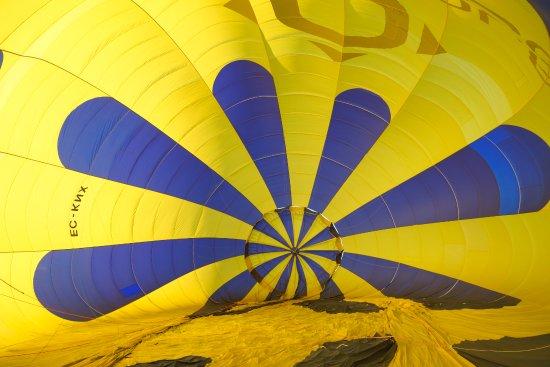 Totglobo : el interior del globo durante su llenado de aire