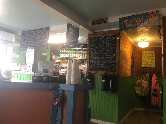 Tuckaway Bagel & Waffle Cafe: photo0.jpg