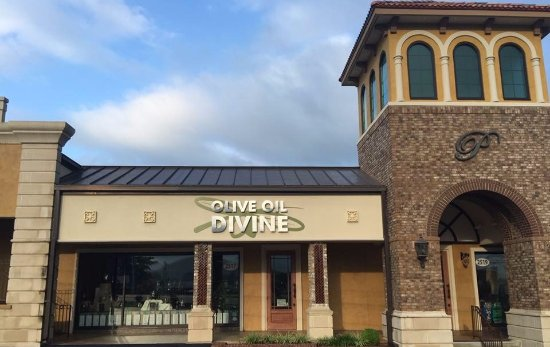 Olive Oil Divine store front in Johnson City, TN.