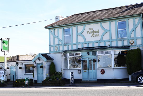 the winford arms: The perfect place to stop, eat and drink on your way to the airport.