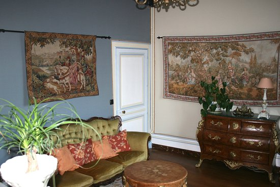 La Maison de l'Argentier du Roy: The sitting room off the bedroom.