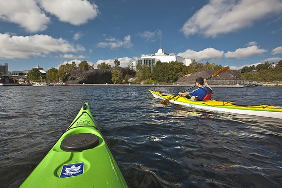 Travelway Inn Sudbury: Paddle just steps away from the comfort of your hotel room