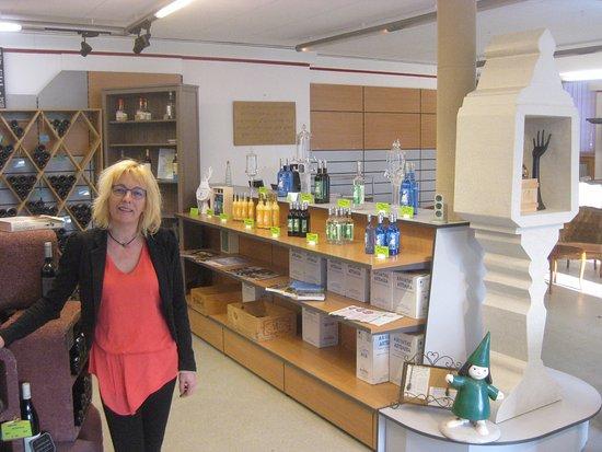 Couvet, Suíça: notre shop et son lieu de dégustation