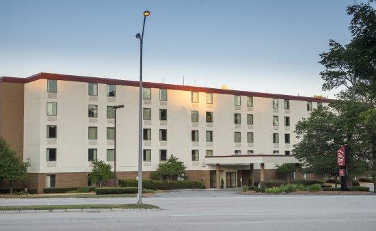 Mansfield, MA: Exterior