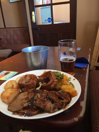 Kippford, UK : Roast lamb dinner