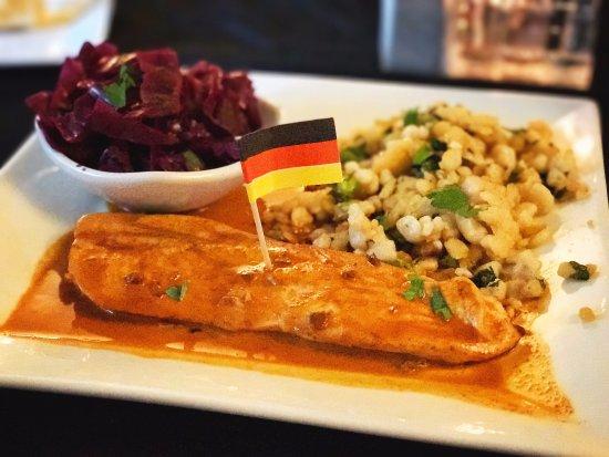 Kempton, PA: Chicken Paprikash with spätzle & red cabbage
