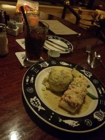 Fathoms Restaurant & Bar: Our dinner