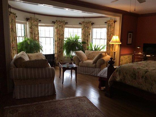 Deerwood, MN: Elizabeth Taylor Suite