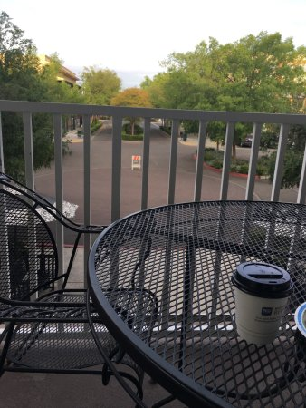 Best Western Clovis Cole: We had the room with a balcony overlooking the square! We loved it and took advantage of the bik