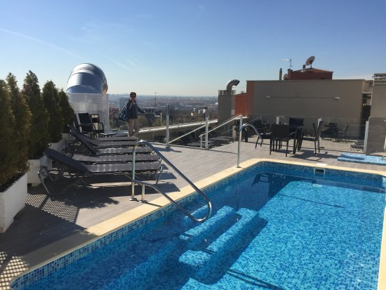 pool auf dem dach bild von ganivet hotel madrid tripadvisor. Black Bedroom Furniture Sets. Home Design Ideas