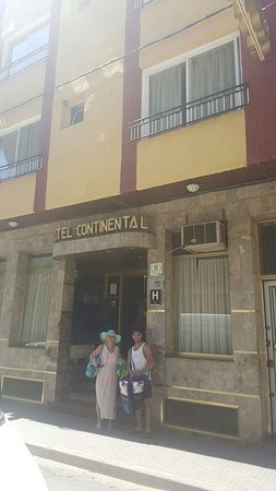 Hotel Continental: 90s style of the hotel