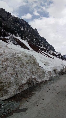 Sonamarg : First experience of ice...
