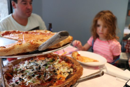 Blue Moose Pizza Vail: photo0.jpg