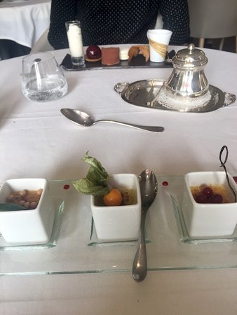 Hotel de france montmarault restaurant avis num ro de for Hotel france numero