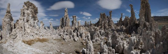 Lee Vining, แคลิฟอร์เนีย: Mono Lake offers many unique vistas.