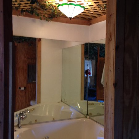The Secret Bed And Breakfast Lodge Treehouse Bathroom