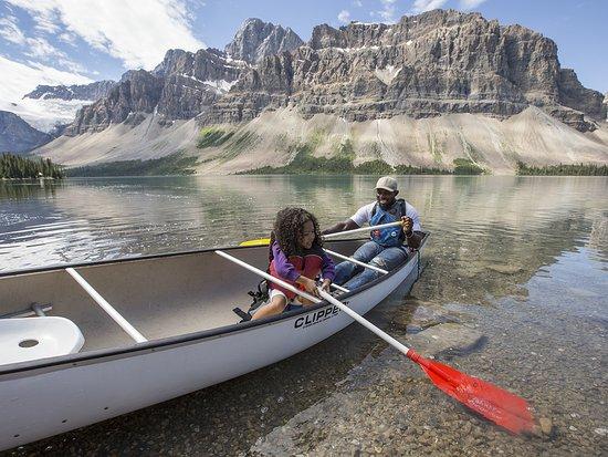 Lake Louise, Canada: Canoeing Bow Lake