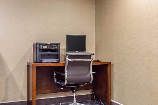 Comfort Inn & Suites: Business travelers may use our free internet connected computer to access online services.