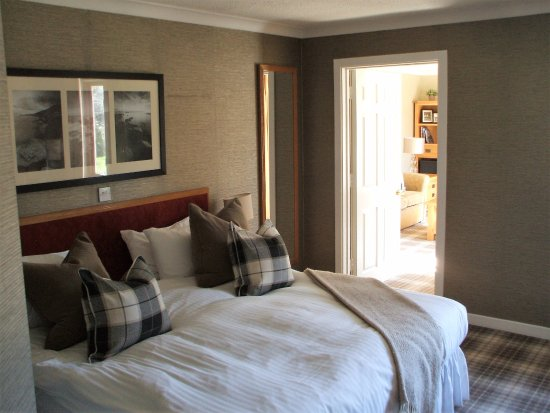 Auchrannie House Hotel: Bedroom of suite