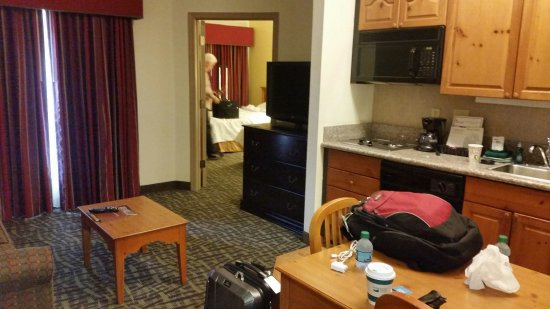 Homewood Suites by Hilton Phoenix / Scottsdale: Another view of the suite from the front door