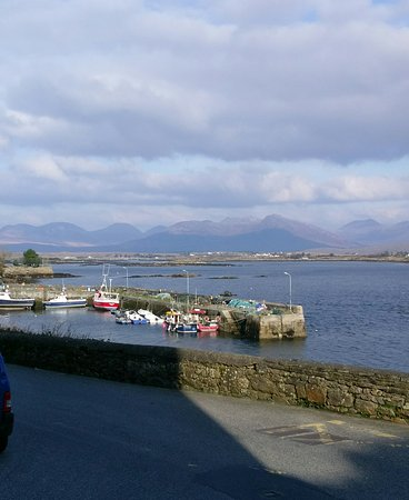Roundstone, Ireland: getlstd_property_photo