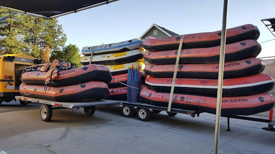 Maupin, OR: Getting ready to deliver rafts to Harpham Flats on the Deschutes