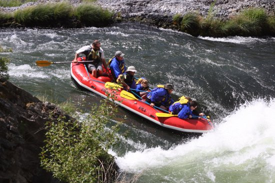 Maupin, OR: Andy and his crew heading into Oaks Springs rapid!